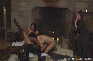 Горячий секс в жопу с ненасытными телками 1582