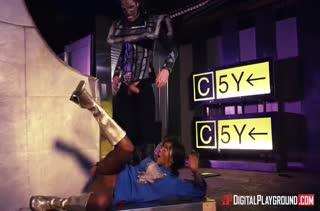Смачный секс в задницу с извращенными нимфетками 261