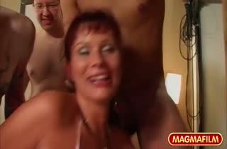 Порно на телефон двойное проникновение в девушку 3107