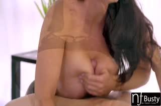 Бесстрашные телочки обожают грубый секс 650
