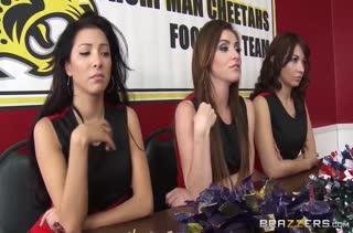 Порно на телефон с аппетитными лесбиянками 592