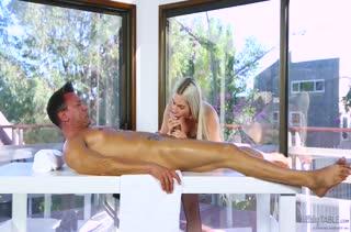 Красотка решилась на порно в массажном кабинете 2290