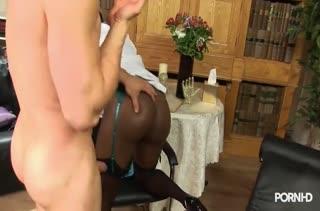 Красивые мамочки обожают чувственный секс 718