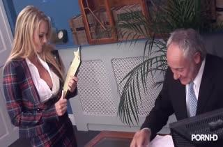 Бесплатное порно видео снятое в офисе 2318