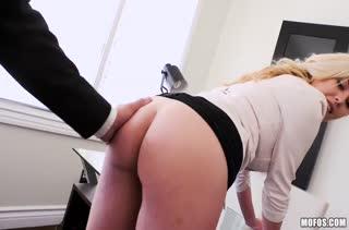 Порно на телефон снятое на работе 2933 скачать